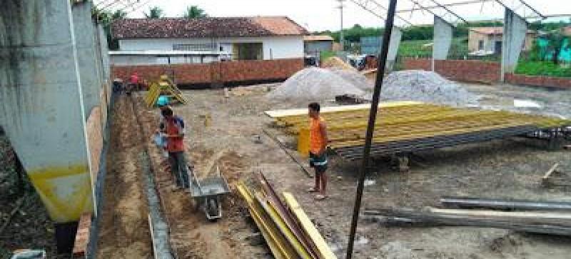 Construção do ginásio poliesportivo do Povoado Cajueiro é retomada