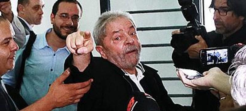 Tiros e confronto marcam primeiro dia de caravana de Lula pelo Nordeste