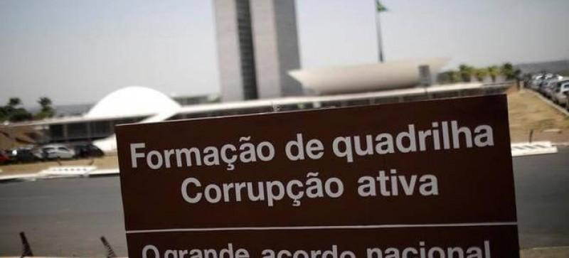 Brasil cai 17 posições e tem pior ranking de corrupção em 5 anos