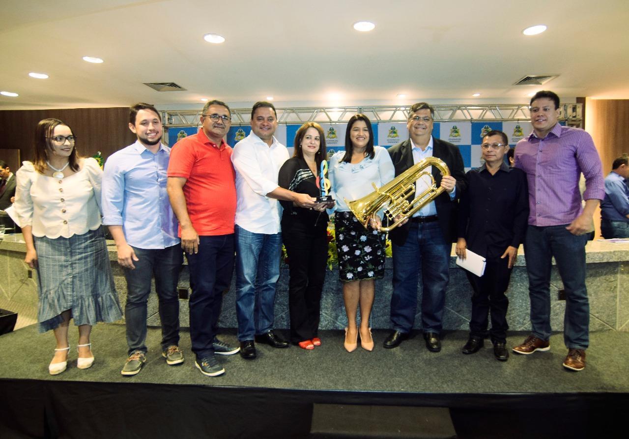 Tate do Ademar comemora a conquista de instrumentos musicais para os alunos amapaenses