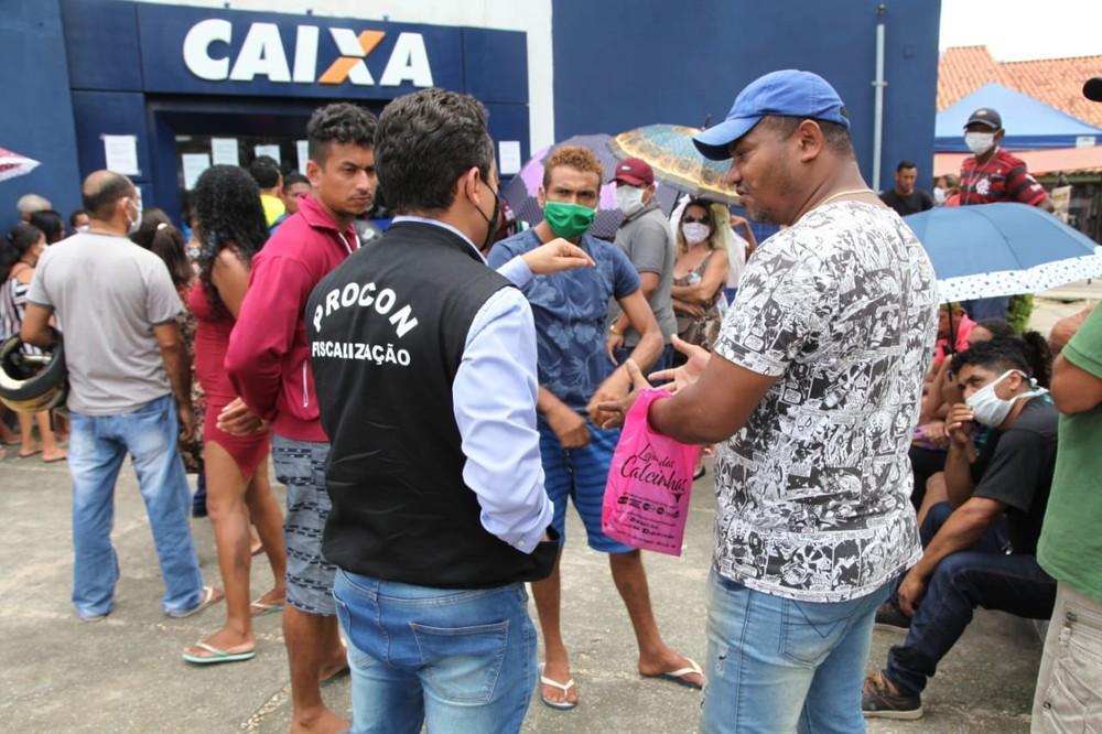 Caixa é multada em R$ 1 milhão por aglomerações em agências do Maranhão