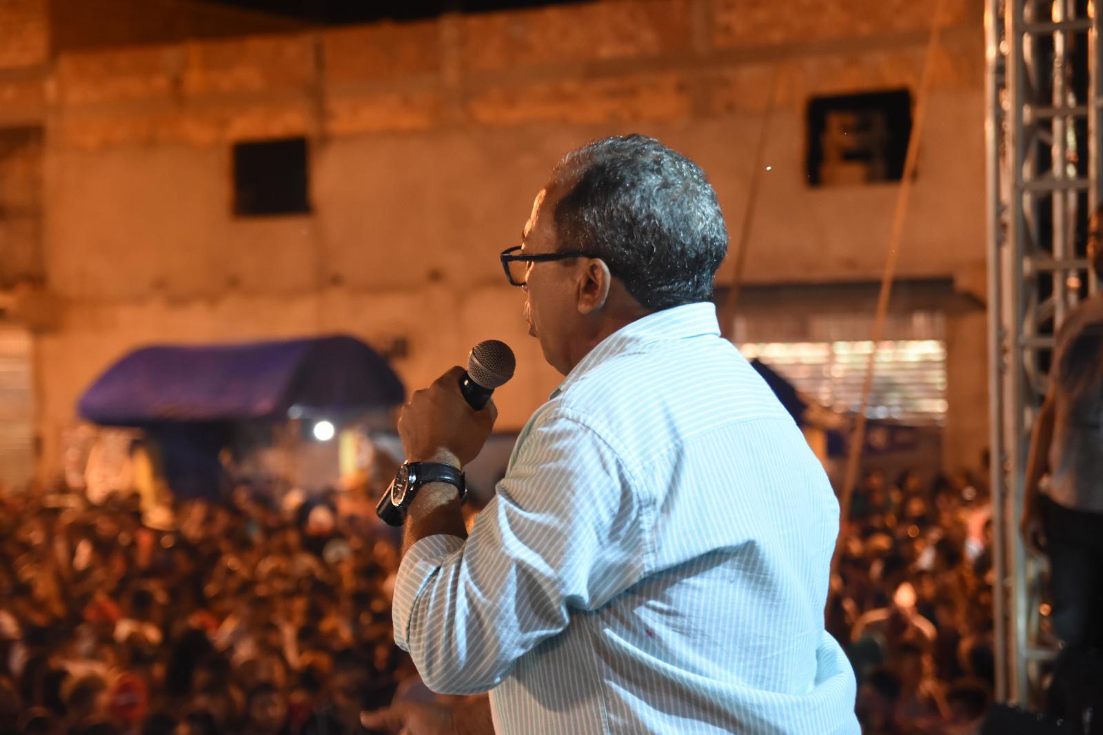 Josimar da Serraria comemora vitória com Praça da Culta completamente lotada