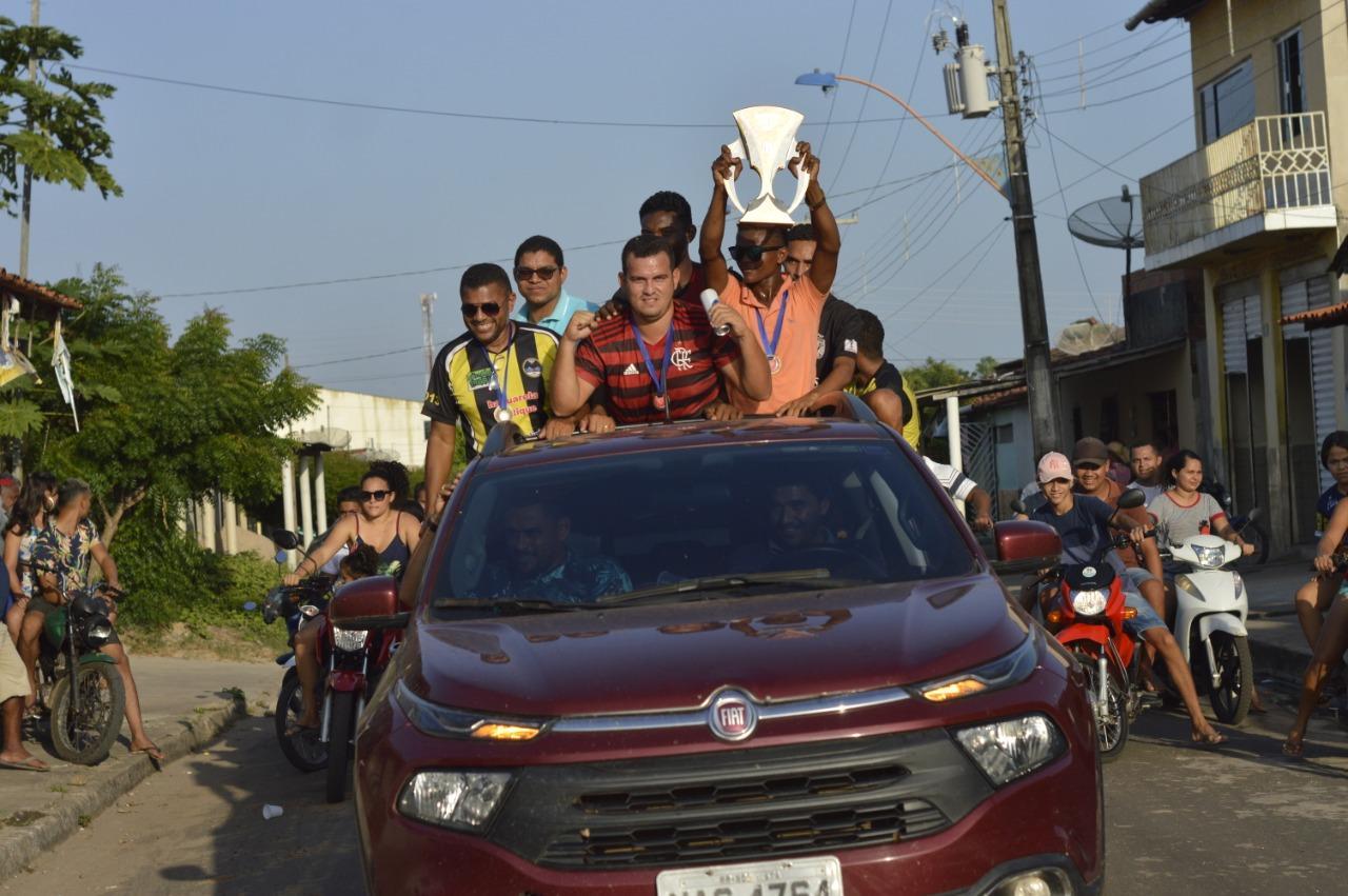 Seleção Sub-20 de Futebol de Presidente Médici é recebida com festa após conquistar título inédito